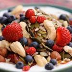 Eat Yogurt, Nuts & Fruit to Lose Weight